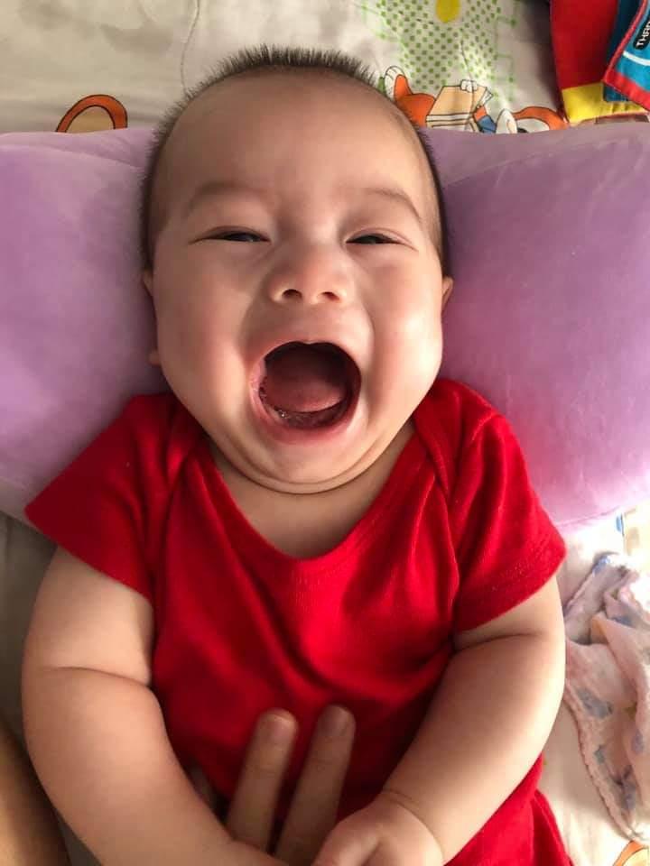 Bài tốt nghiệp easyone giúp con tự ngủ của mẹ Hằng HCM 1