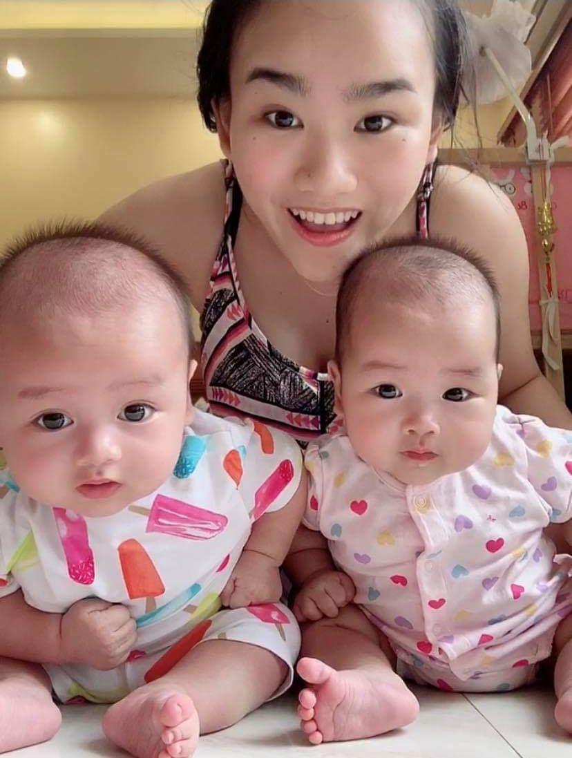 Bé sinh đôi tự ngủ như thế nào? Chuyện nhà mẹ Vân Anh 1