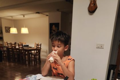 Kỉ luật bàn ăn sau 1 tuổi 6