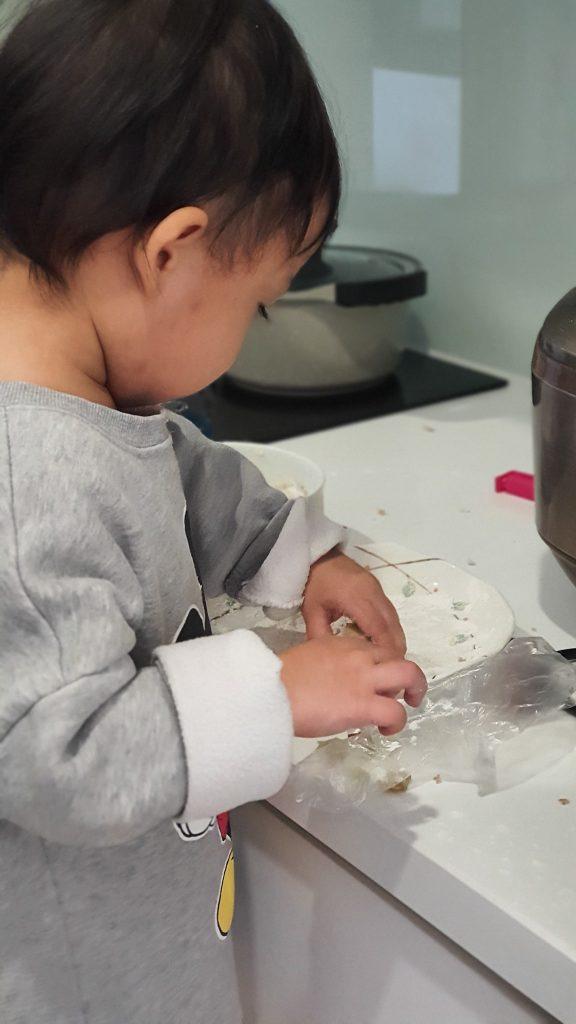 Bám mẹ - Nhõng nhẽo - giai đoạn trên 1 tuổi 11