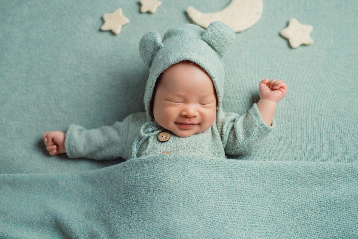 Gối và em bé sơ sinh 1